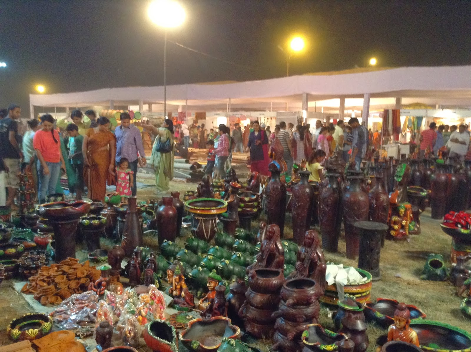 Deep Utsav is a Shoppers delight. Handicrafts items on display for sale.