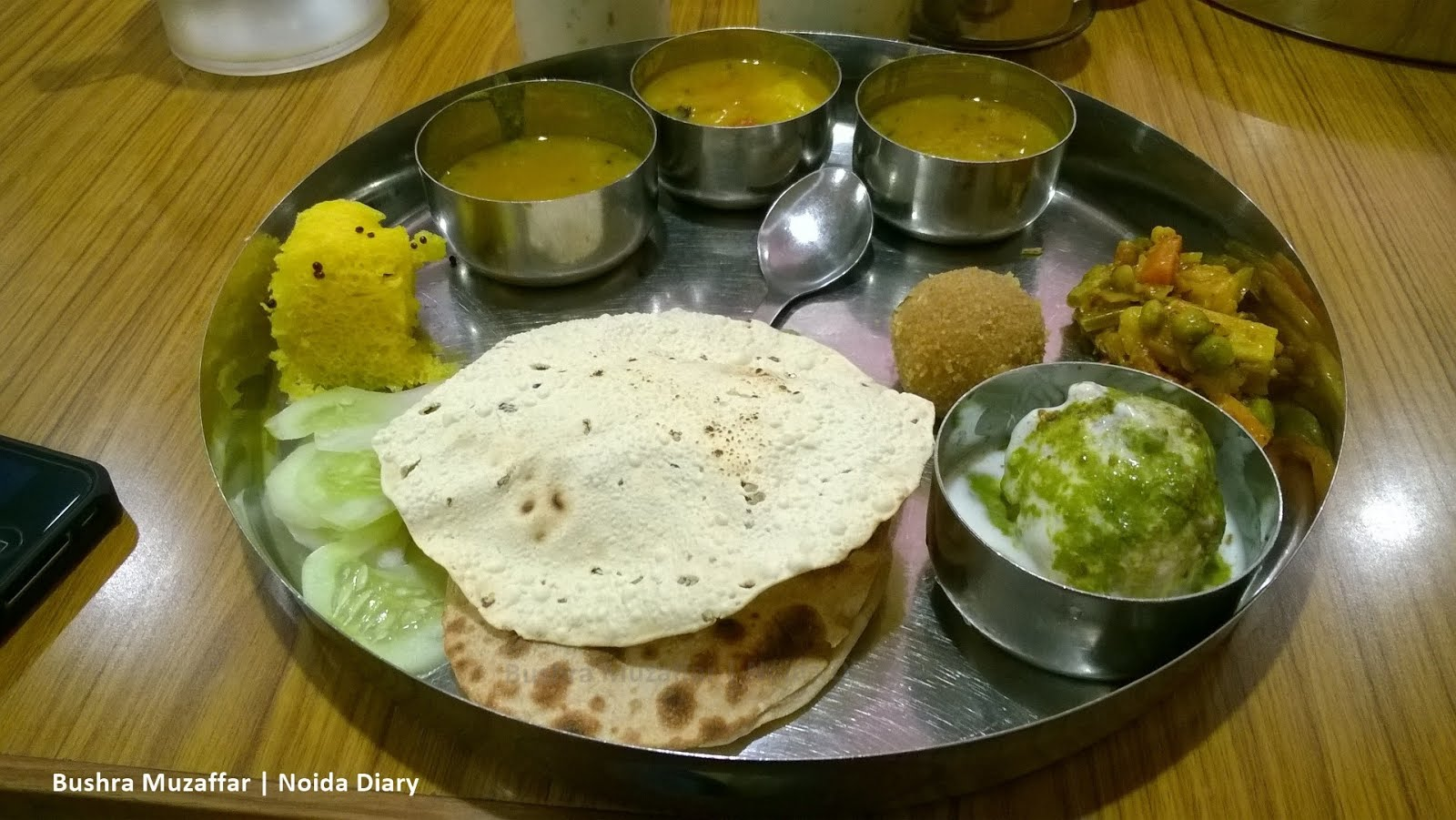 Authentic Gujarati Food at Gujarat Bhawan | Delhi