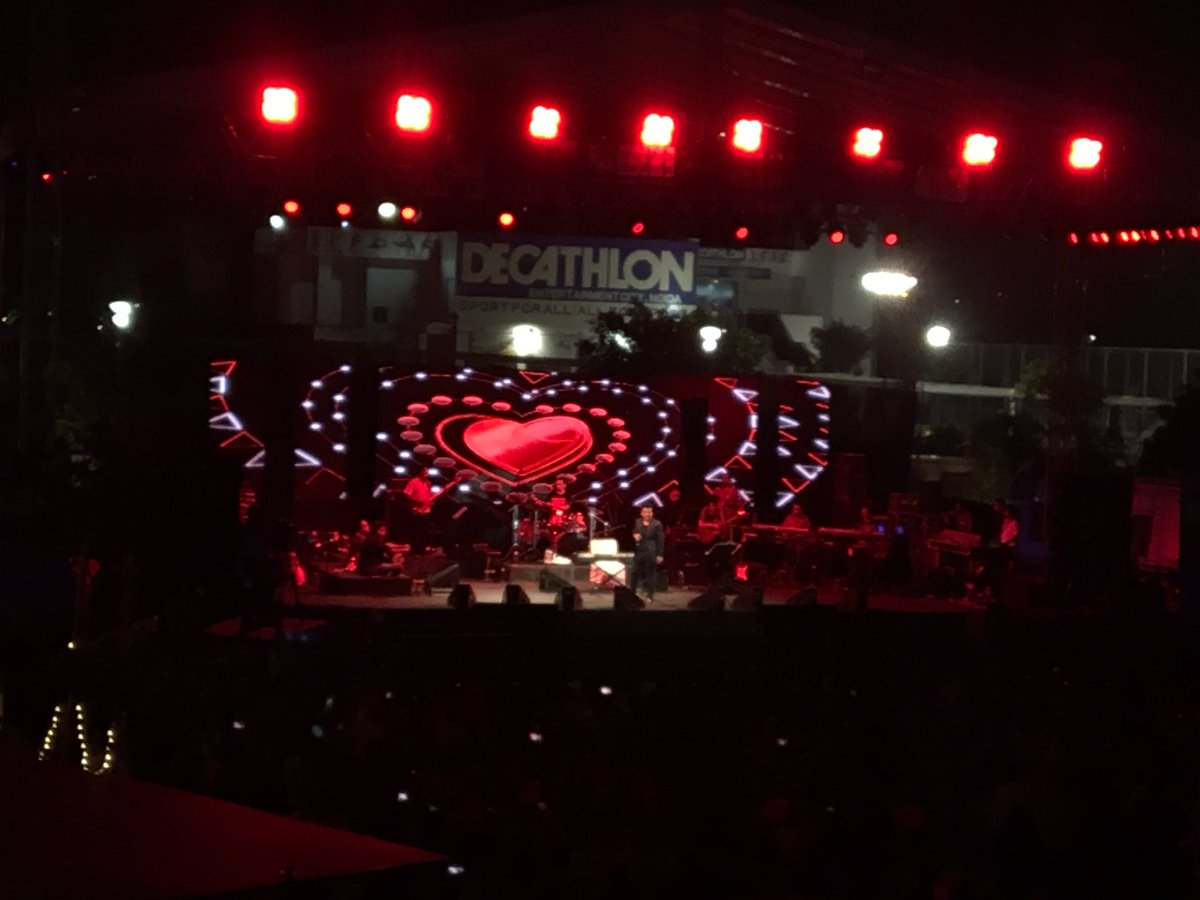 Adnan Sami Rocks Noida NCR Fans at Awesome Live Concert